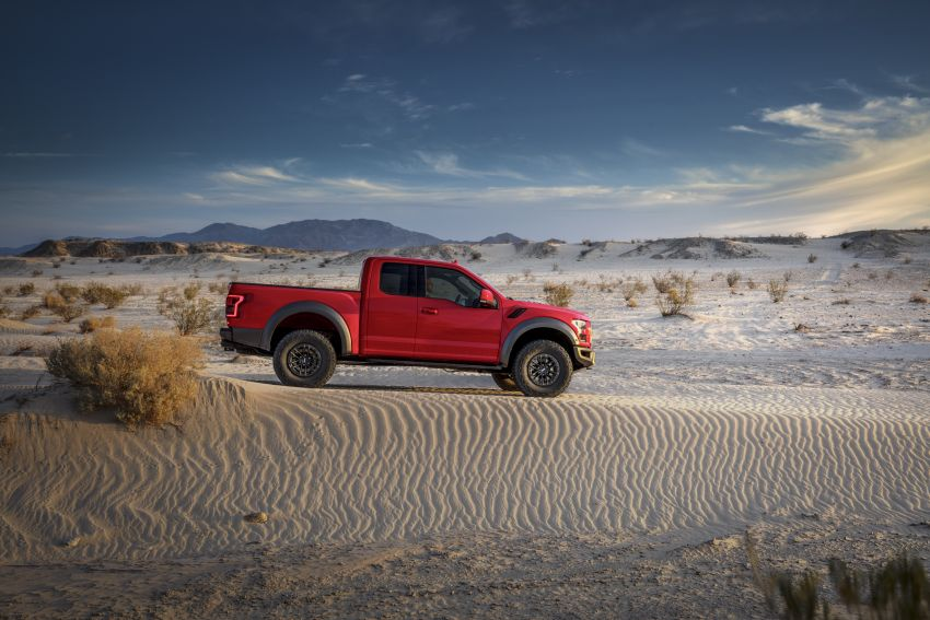 2019 Ford F-150 Raptor now with uprated Fox dampers Image #821112