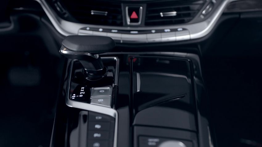 Geely Borui GE – MHEV, PHEV powertrains, display key, AEB, dual-screen dash; next Proton Perdana? Image #822274