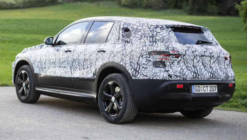 Mercedes-Benz EQC teased again ahead of 2019 reveal Image #817691