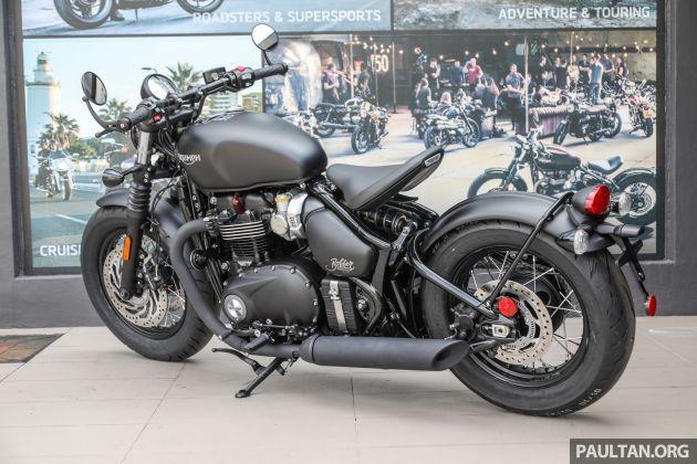 Review 2018 Triumph Bonneville Bobber Black Muscular Retro Styled