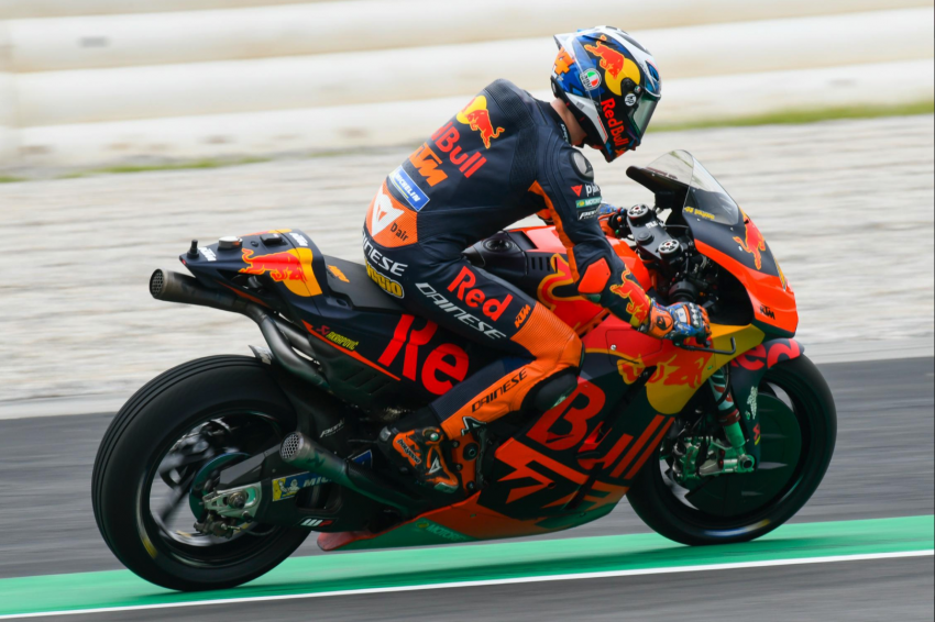 Hafizh Syahrin stays with Tech3 in 2019, to ride KTM Image #824556
