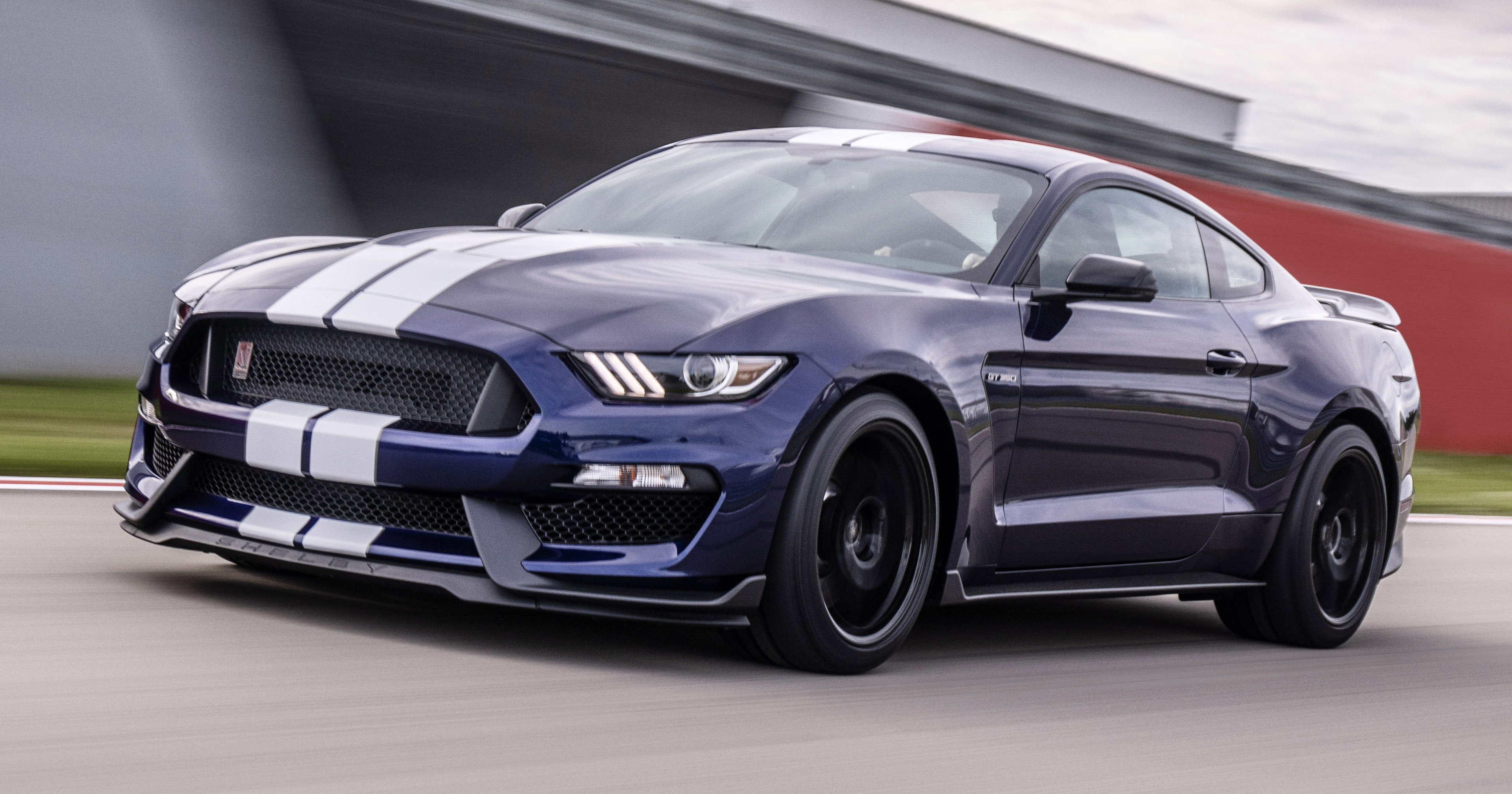 2019 Ford Mustang Shelby Gt350 Gains Improvements