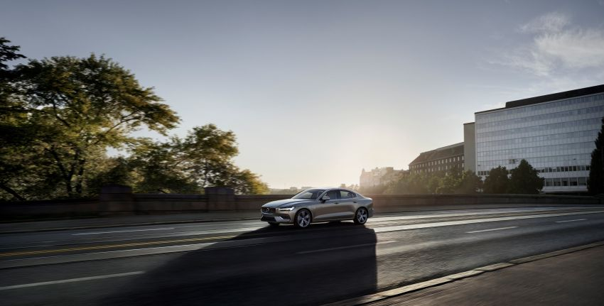 2019 Volvo S60 revealed – petrol powertrains only, optional Polestar Engineered upgrade, up to 415 hp Image #829182