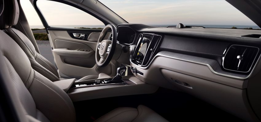 2019 Volvo S60 revealed – petrol powertrains only, optional Polestar Engineered upgrade, up to 415 hp Image #829183