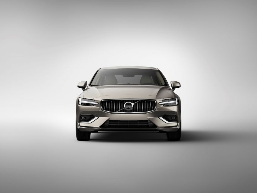 2019 Volvo S60 revealed – petrol powertrains only, optional Polestar Engineered upgrade, up to 415 hp Image #829169