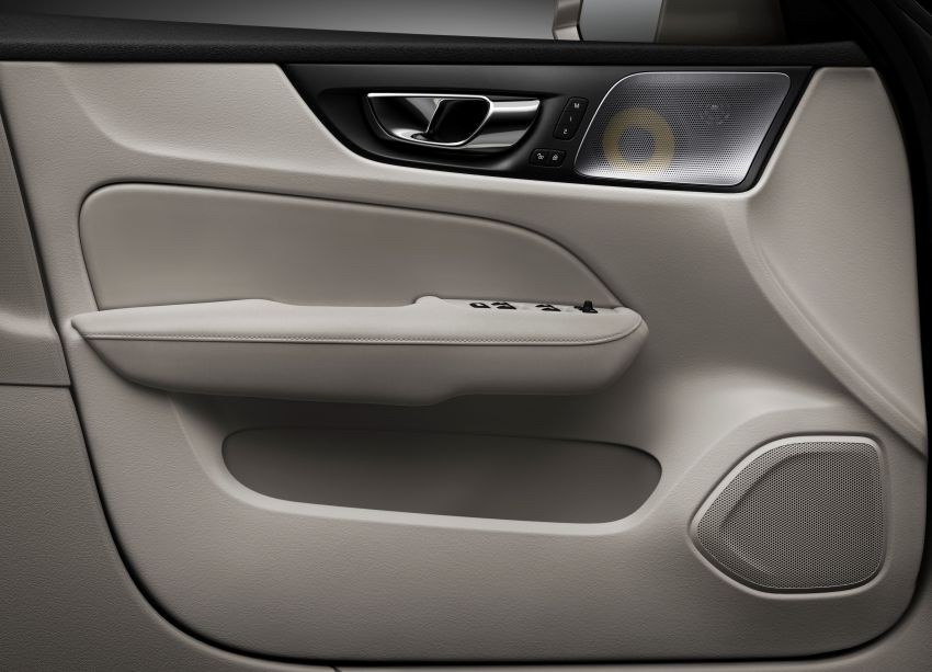 2019 Volvo S60 revealed – petrol powertrains only, optional Polestar Engineered upgrade, up to 415 hp Image #829199