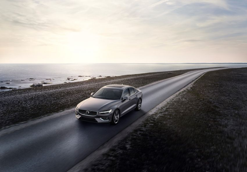 2019 Volvo S60 revealed – petrol powertrains only, optional Polestar Engineered upgrade, up to 415 hp Image #829203