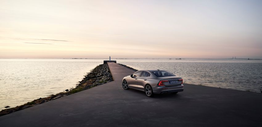 2019 Volvo S60 revealed – petrol powertrains only, optional Polestar Engineered upgrade, up to 415 hp Image #829204