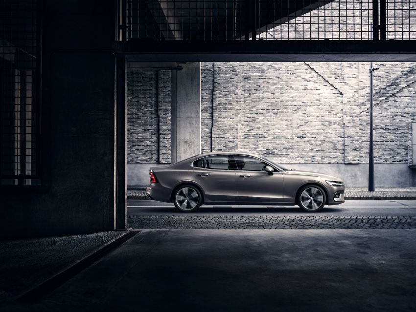 2019 Volvo S60 revealed – petrol powertrains only, optional Polestar Engineered upgrade, up to 415 hp Image #829206