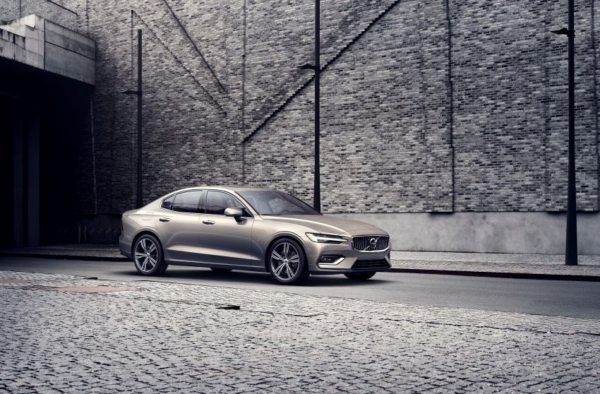 2019 Volvo S60 revealed – petrol powertrains only, optional Polestar Engineered upgrade, up to 415 hp Image #829207