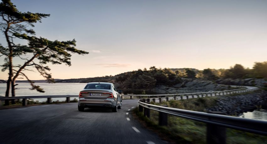 2019 Volvo S60 revealed – petrol powertrains only, optional Polestar Engineered upgrade, up to 415 hp Image #829208