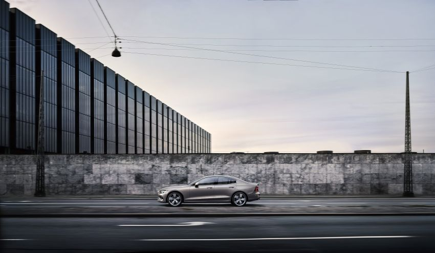 2019 Volvo S60 revealed – petrol powertrains only, optional Polestar Engineered upgrade, up to 415 hp Image #829209
