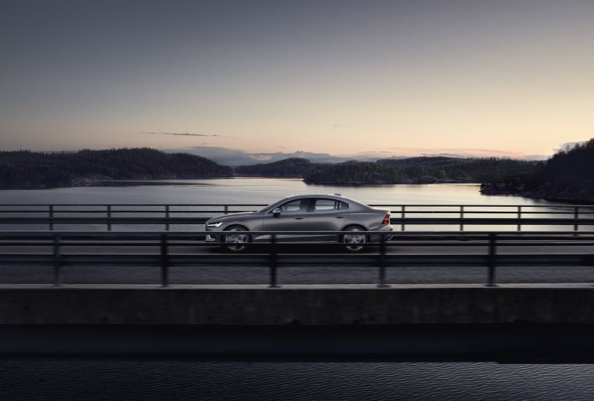 2019 Volvo S60 revealed – petrol powertrains only, optional Polestar Engineered upgrade, up to 415 hp Image #829212