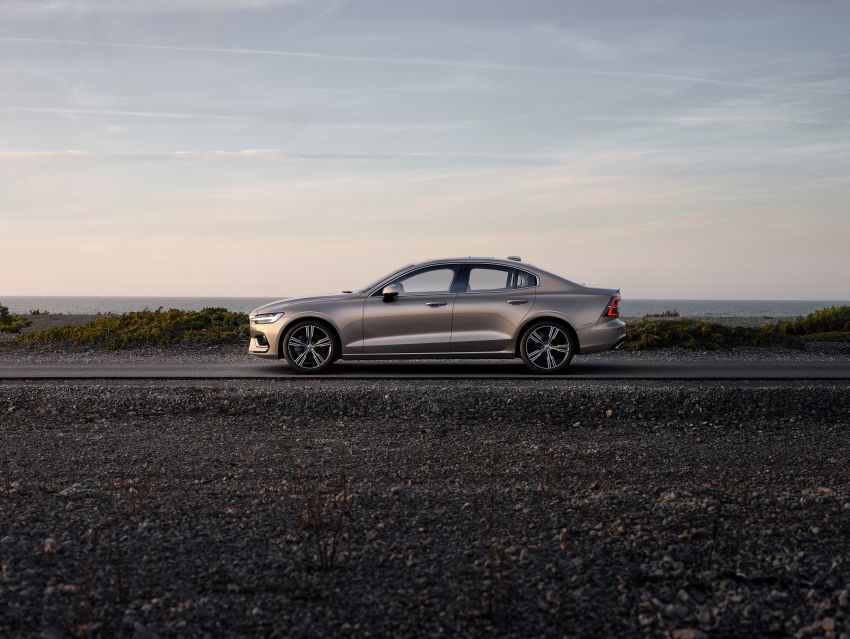 2019 Volvo S60 revealed – petrol powertrains only, optional Polestar Engineered upgrade, up to 415 hp Image #829214