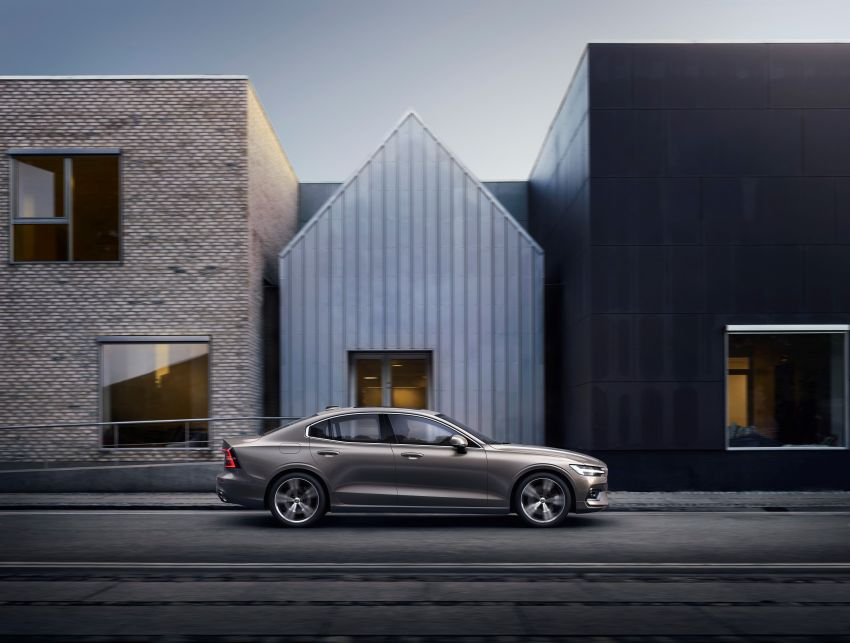 2019 Volvo S60 revealed – petrol powertrains only, optional Polestar Engineered upgrade, up to 415 hp Image #829219