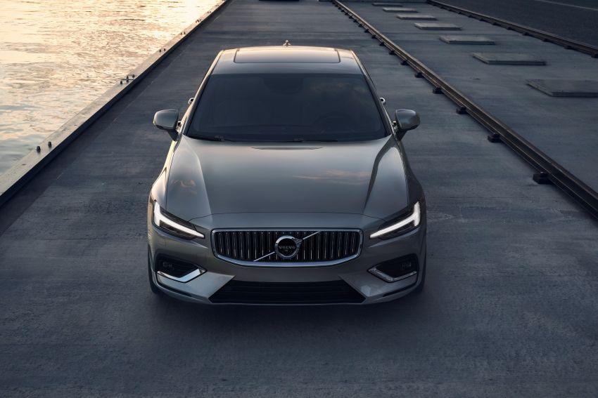 2019 Volvo S60 revealed – petrol powertrains only, optional Polestar Engineered upgrade, up to 415 hp Image #829220