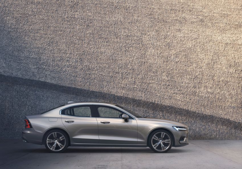 2019 Volvo S60 revealed – petrol powertrains only, optional Polestar Engineered upgrade, up to 415 hp Image #829225