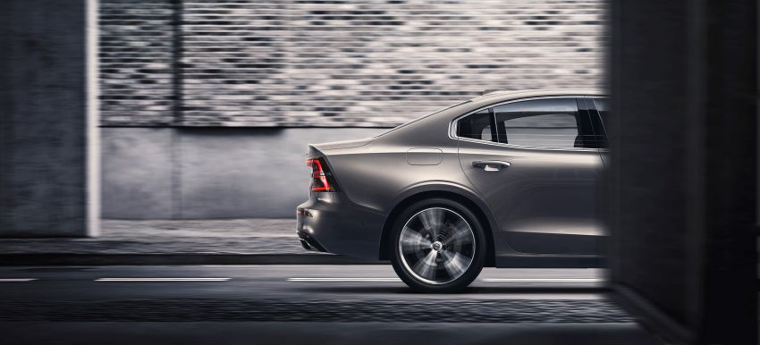 2019 Volvo S60 revealed – petrol powertrains only, optional Polestar Engineered upgrade, up to 415 hp Image #829231