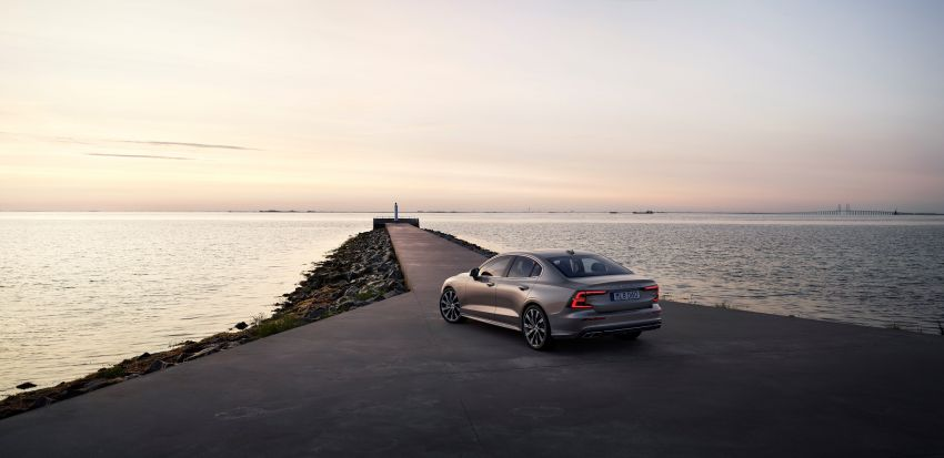 2019 Volvo S60 revealed – petrol powertrains only, optional Polestar Engineered upgrade, up to 415 hp Image #829325