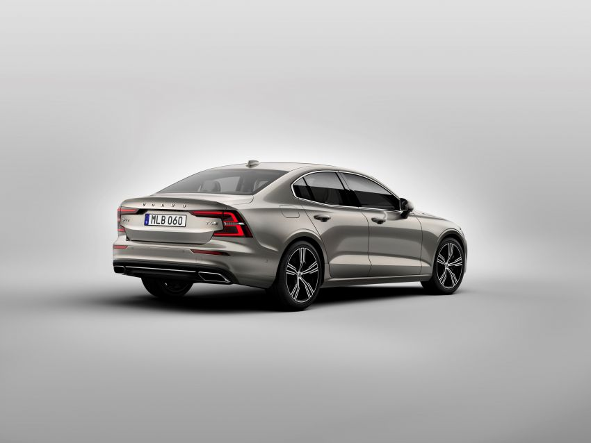 2019 Volvo S60 revealed – petrol powertrains only, optional Polestar Engineered upgrade, up to 415 hp Image #829173