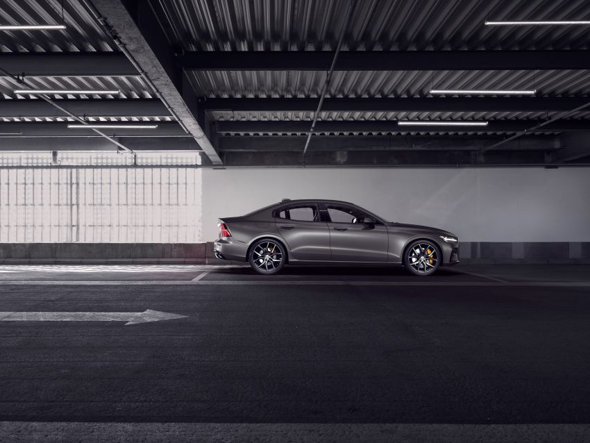 2019 Volvo S60 revealed – petrol powertrains only, optional Polestar Engineered upgrade, up to 415 hp Image #829300
