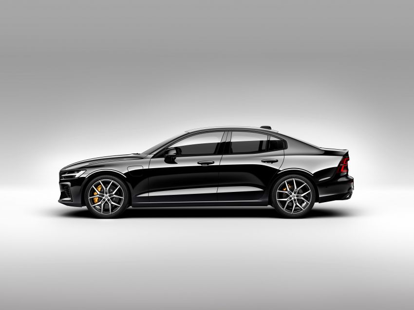 2019 Volvo S60 revealed – petrol powertrains only, optional Polestar Engineered upgrade, up to 415 hp Image #829306