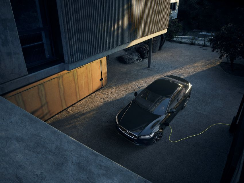2019 Volvo S60 revealed – petrol powertrains only, optional Polestar Engineered upgrade, up to 415 hp Image #829290