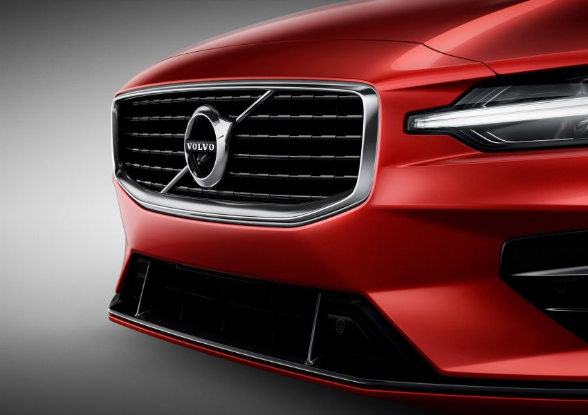 2019 Volvo S60 revealed – petrol powertrains only, optional Polestar Engineered upgrade, up to 415 hp Image #829247