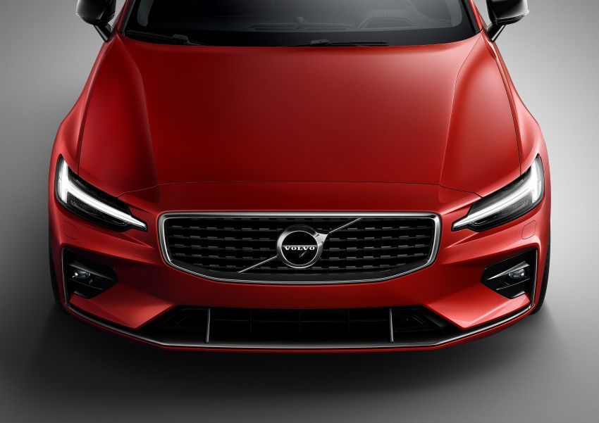 2019 Volvo S60 revealed – petrol powertrains only, optional Polestar Engineered upgrade, up to 415 hp Image #829249