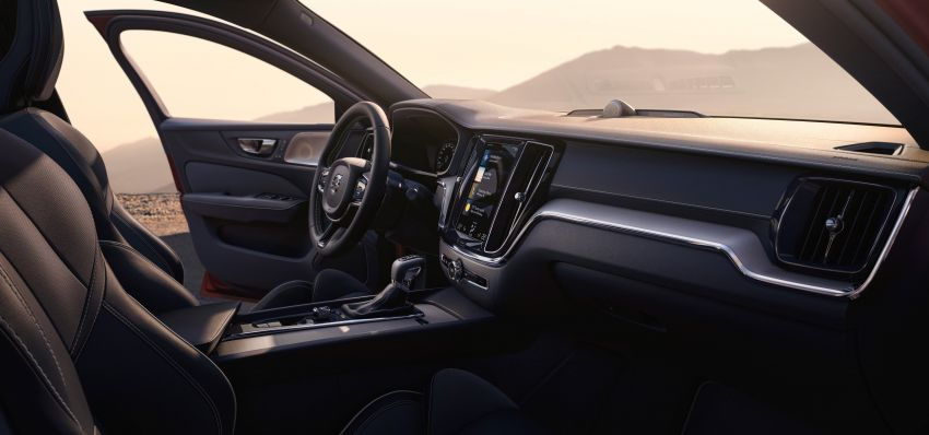 2019 Volvo S60 revealed – petrol powertrains only, optional Polestar Engineered upgrade, up to 415 hp Image #829254