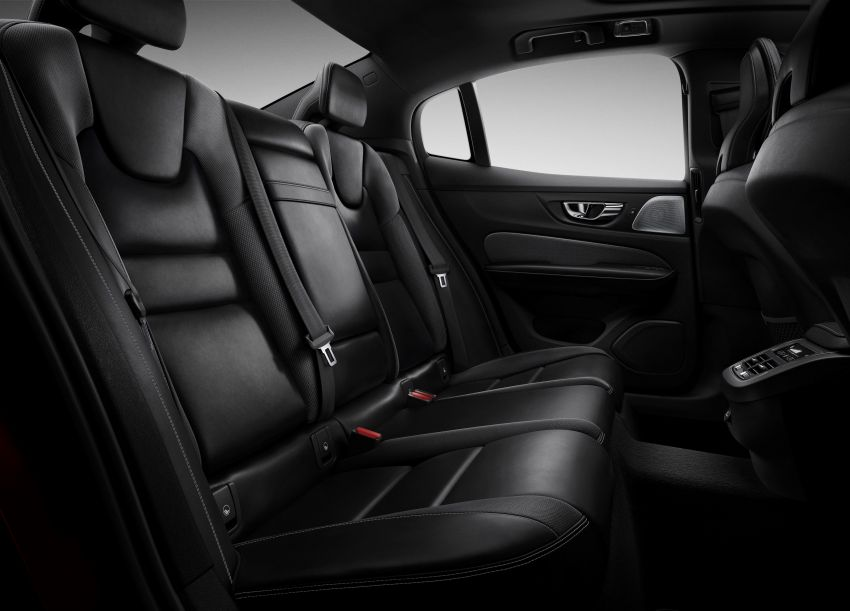 2019 Volvo S60 revealed – petrol powertrains only, optional Polestar Engineered upgrade, up to 415 hp Image #829261