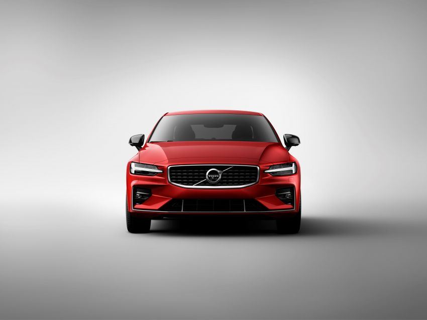 2019 Volvo S60 revealed – petrol powertrains only, optional Polestar Engineered upgrade, up to 415 hp Image #829235