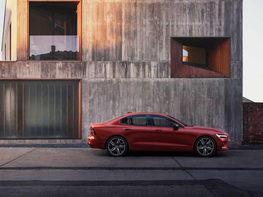 2019 Volvo S60 revealed – petrol powertrains only, optional Polestar Engineered upgrade, up to 415 hp Image #829280
