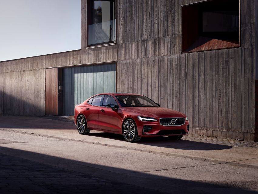 2019 Volvo S60 revealed – petrol powertrains only, optional Polestar Engineered upgrade, up to 415 hp Image #829281