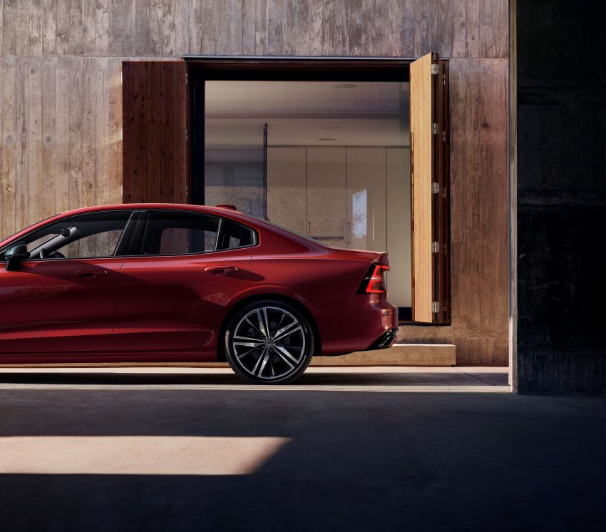 2019 Volvo S60 revealed – petrol powertrains only, optional Polestar Engineered upgrade, up to 415 hp Image #829282