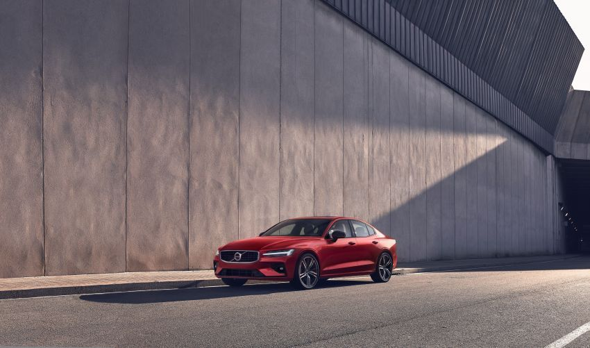 2019 Volvo S60 revealed – petrol powertrains only, optional Polestar Engineered upgrade, up to 415 hp Image #829283