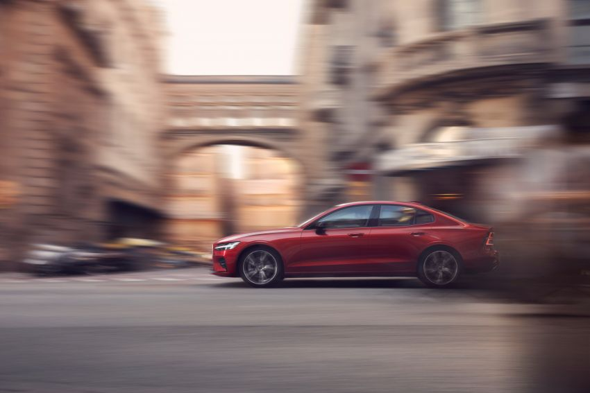 2019 Volvo S60 revealed – petrol powertrains only, optional Polestar Engineered upgrade, up to 415 hp Image #829286