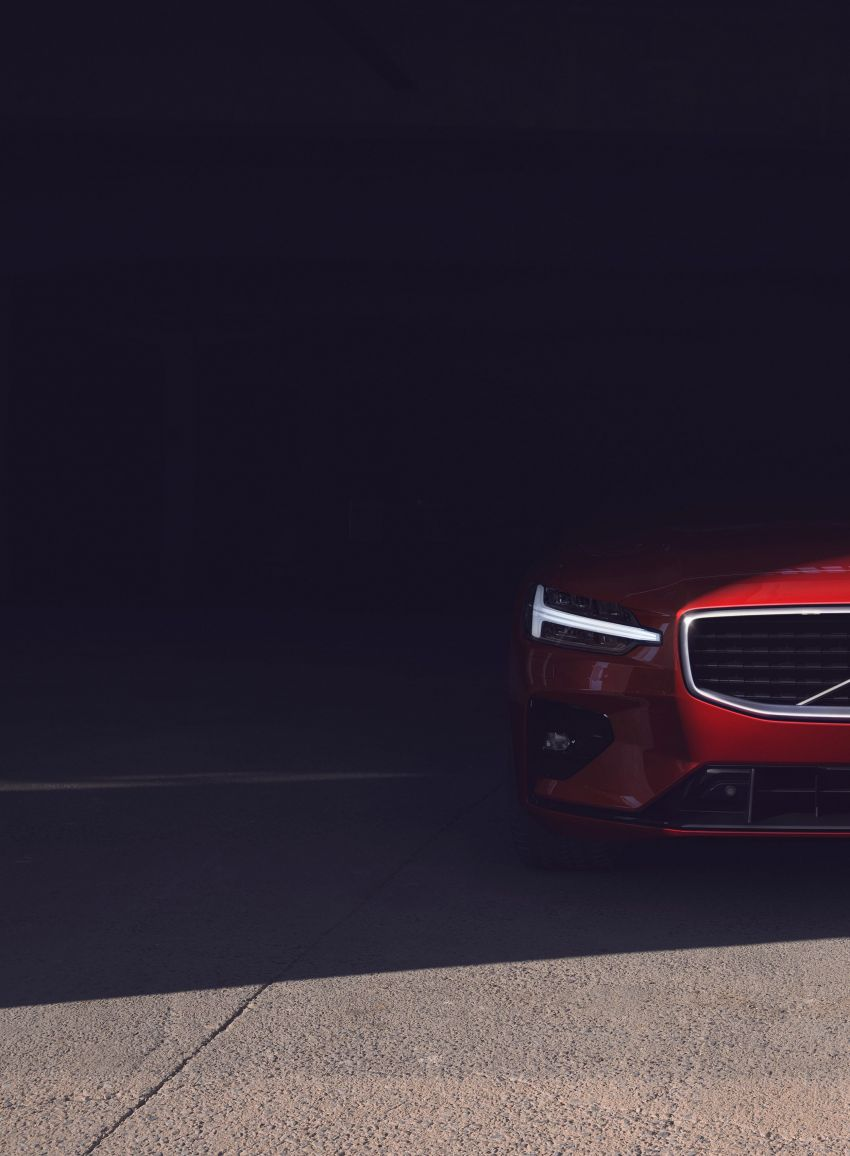 2019 Volvo S60 revealed – petrol powertrains only, optional Polestar Engineered upgrade, up to 415 hp Image #829287