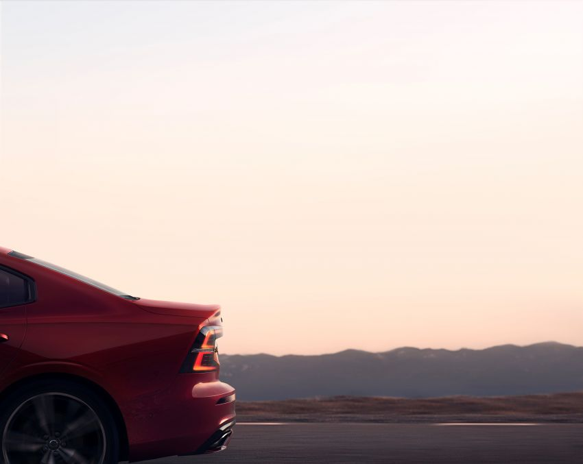 2019 Volvo S60 revealed – petrol powertrains only, optional Polestar Engineered upgrade, up to 415 hp Image #829288