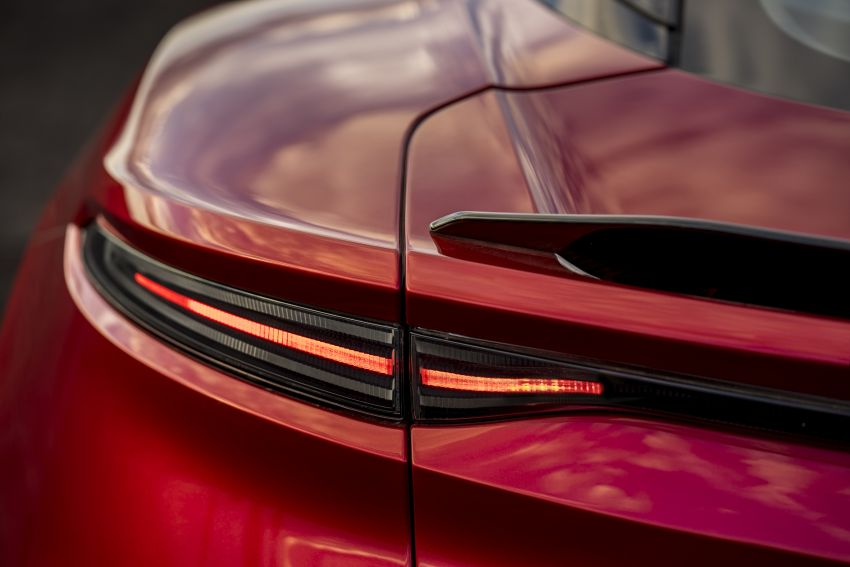 Aston Martin DBS Superleggera unveiled with 715 hp Image #831788