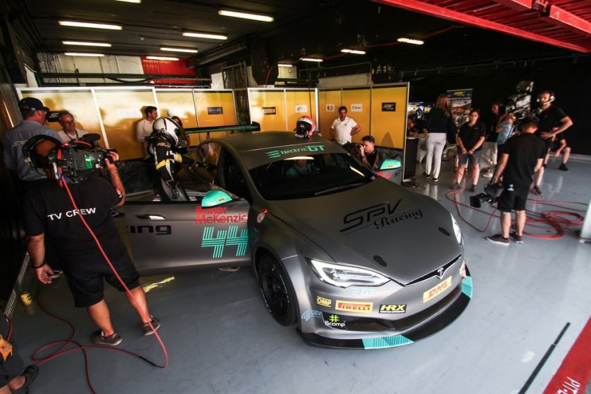 Tesla Model S P100DL debuts in Barcelona – first Electric Production Car Series race in November Image #832895