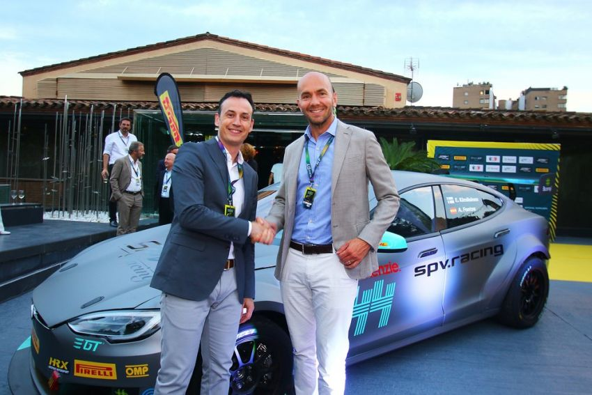 Tesla Model S P100DL debuts in Barcelona – first Electric Production Car Series race in November Image #832900