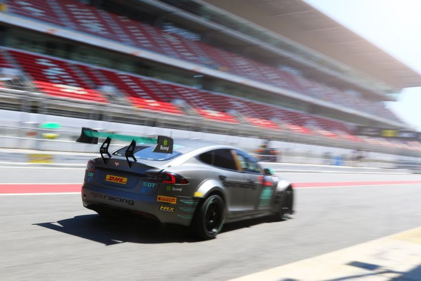 Tesla Model S P100DL debuts in Barcelona – first Electric Production Car Series race in November Image #832906
