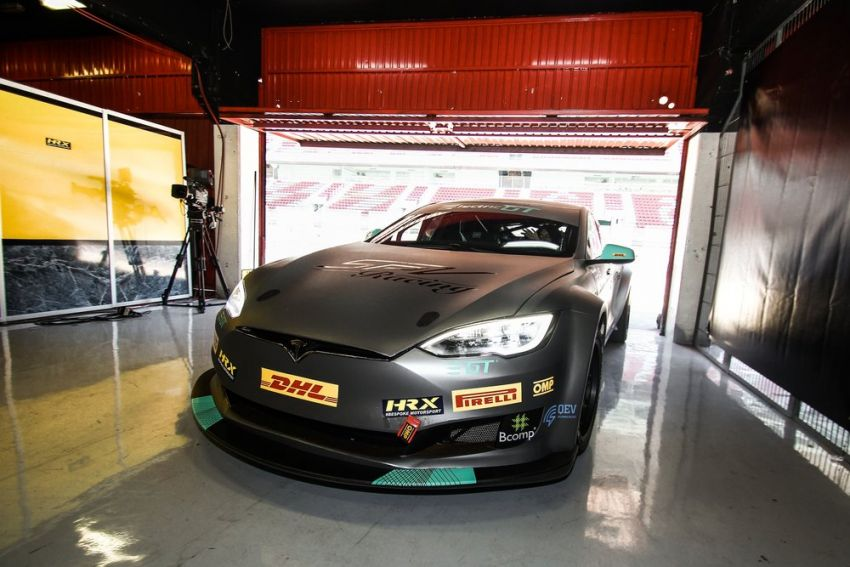 Tesla Model S P100DL debuts in Barcelona – first Electric Production Car Series race in November Image #832913
