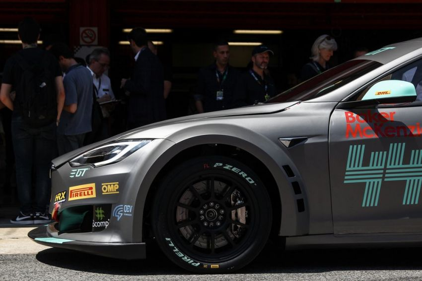 Tesla Model S P100DL debuts in Barcelona – first Electric Production Car Series race in November Image #832887