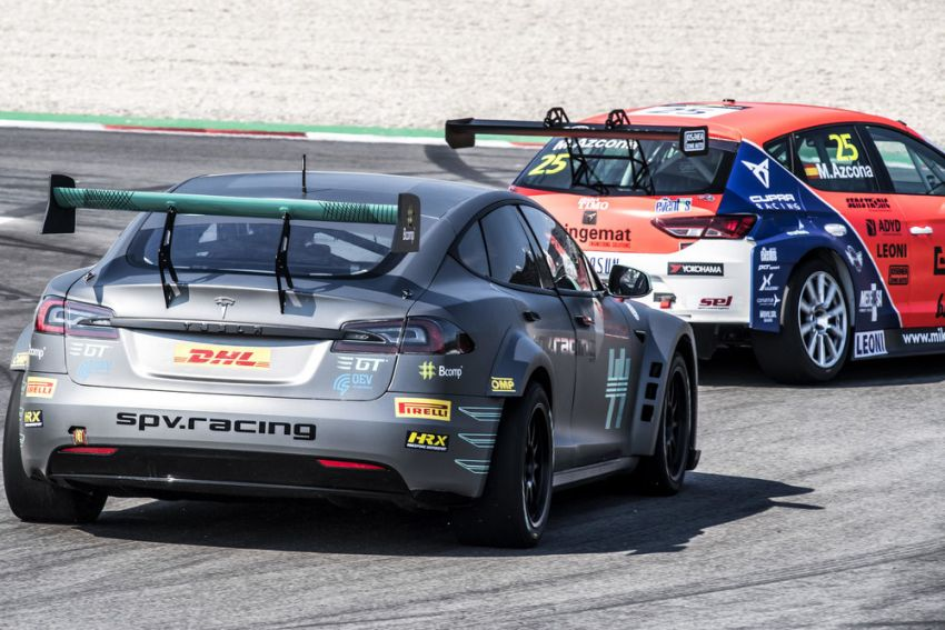 Tesla Model S P100DL debuts in Barcelona – first Electric Production Car Series race in November Image #832918