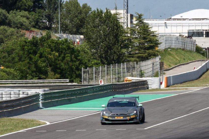 Tesla Model S P100DL debuts in Barcelona – first Electric Production Car Series race in November Image #832892