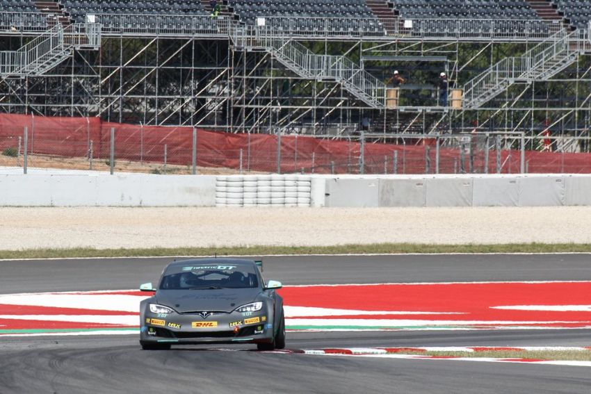 Tesla Model S P100DL debuts in Barcelona – first Electric Production Car Series race in November Image #832893