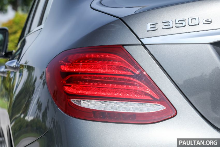 W213 Mercedes-Benz E-Class gets MY2018 updates – EQ Power branding for E350e, new ambient lighting Image #827243