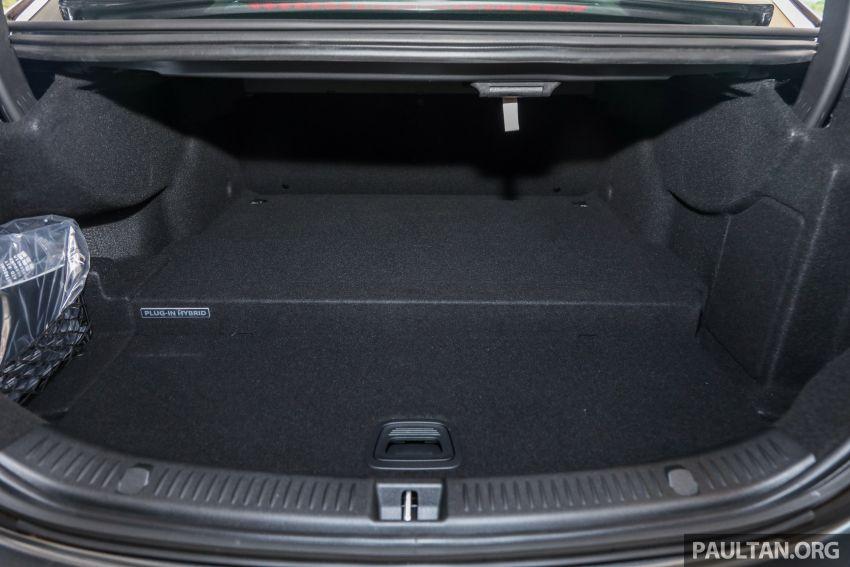 W213 Mercedes-Benz E-Class gets MY2018 updates – EQ Power branding for E350e, new ambient lighting Image #827310
